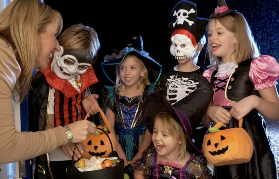 """Fall"" Into Halloween Fun in Knoxville! 